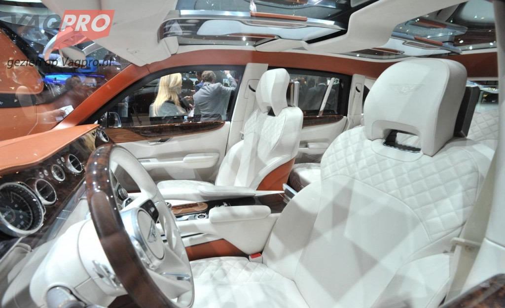 Interieur van de nieuwe Bentley SUV