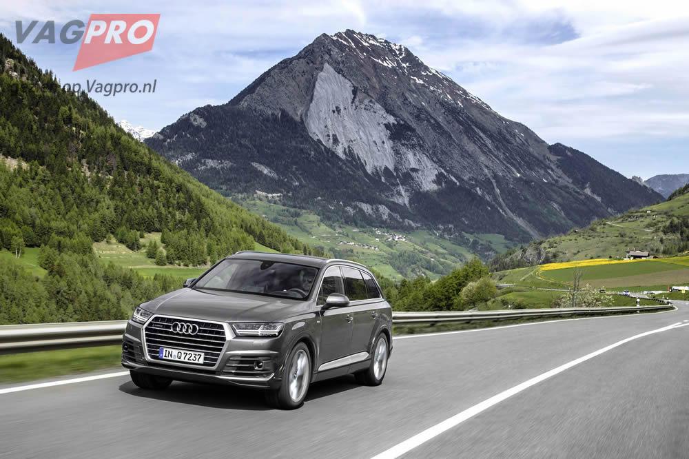 Audi Q7 voorzijde grijs
