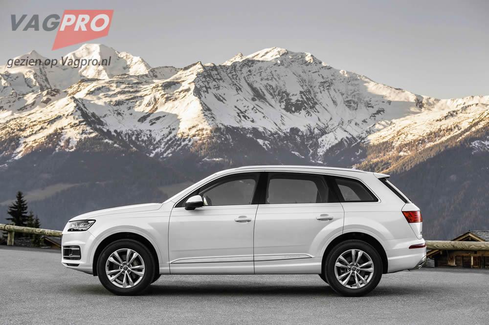Audi Q7 zijkant